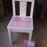 Handbeschilderd stoeltje als kraam cadeau