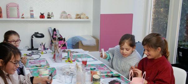Creatieve knutsel club voor kinderen